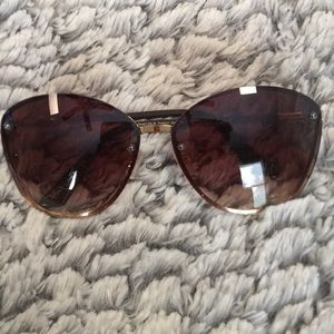 Tahari Sunglasses